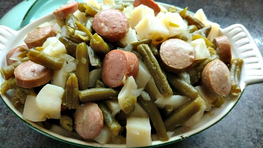 slow cooker potatoes, sausage and green beans