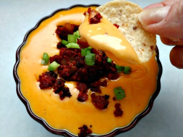 slow cooker queso with chorizo