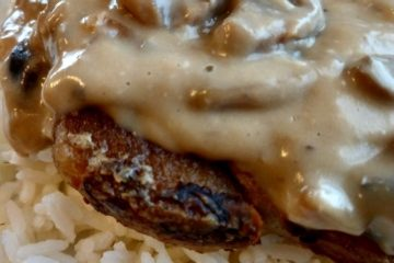 slow cooker pork chops with mushroom and onion gravy